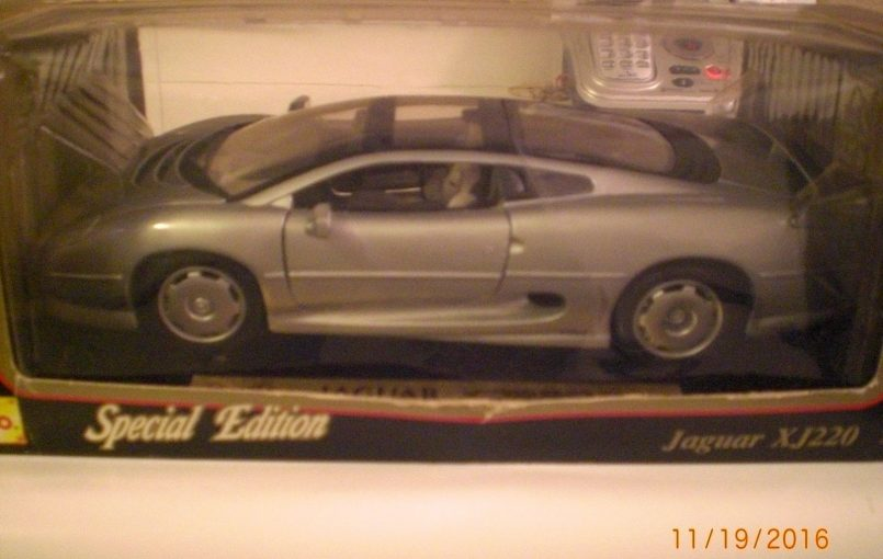 Item specifics Condition: New: A brand-new, unused, unopened, undamaged item (including handmade items). See the seller's Brand: Jaguar Vehicle Type: XJ220 Scale: 1:18 Vehicle Year: 1992 Vehicle Make: Jaguar Features: Unopened Box 1992 Jaguar XJ220 1:18 scale Special Edition by Maisto