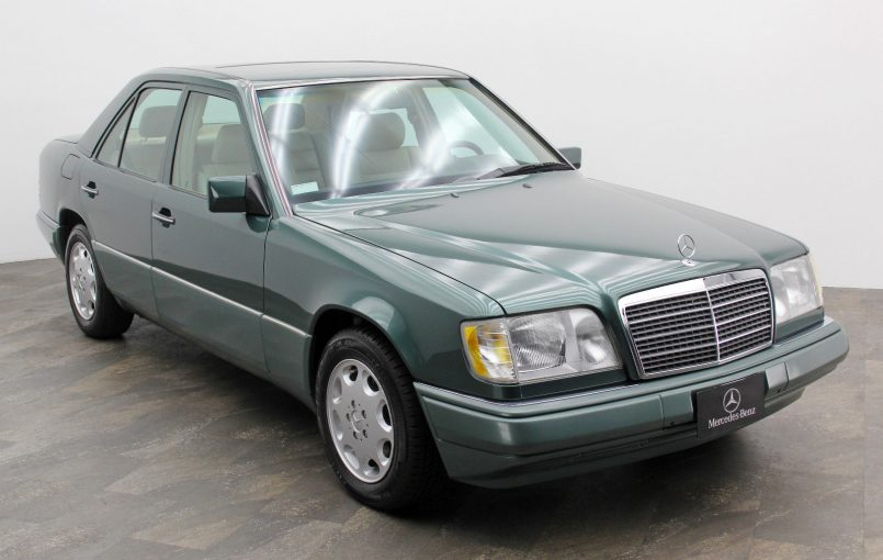 """Item specifics Condition: Used Seller Notes: """"Please see the full description below."""" Year: 1995 VIN (Vehicle Identification Number): WDBEA32E5RC053610 Mileage: 93,034 Trim: E320 Make: Mercedes-Benz Model: E-Class Vehicle Title: Clear See full item description 1995 Mercedes-Benz E-Class E320 1994 Mercedes-Benz E320"""