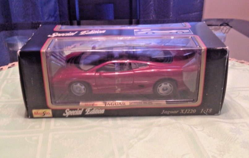 Item specifics Condition: New: A brand-new, unused, unopened, undamaged item (including handmade items). See the seller's Brand: Maisto Year of Manufacture: 1992 Scale: 1:18 Color: Red Vehicle Make: Jaguar Model: XJ220 Material: Diecast Gender: Boys & Girls Vehicle Year: 1992 Country/Region of Manufacture: Unknown UPC: Does not apply MAISTO 1992 SPECIAL EDITION JAGUAR XJ220 CHERRY […]