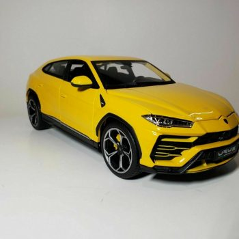 Used Lamborghini Urus Yellow 1/18 Diecast Model Car by Maisto 2019