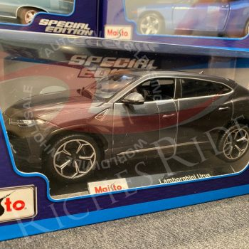 Used Maisto 1:18 Scale Diecast Model Car – Lamborghini Urus (Gray) 2019
